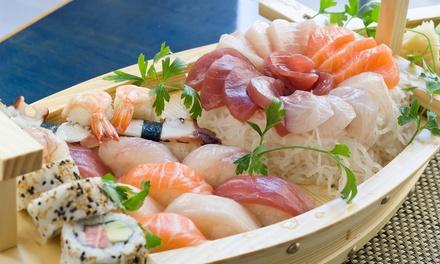Menu en 3 services avec bateau de sushis pour 2 4 personnes chez Ama Sushi à Berchem
