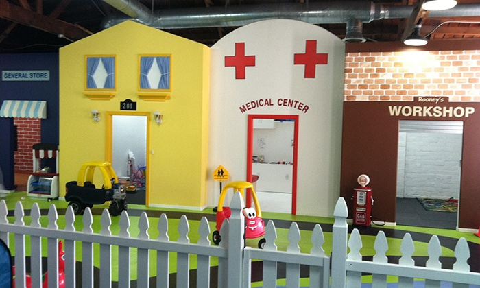 Pint Size Kids - Studio City: 10 or 25 Indoor-Play Visits at Pint Size Kids (Up to 68% Off)