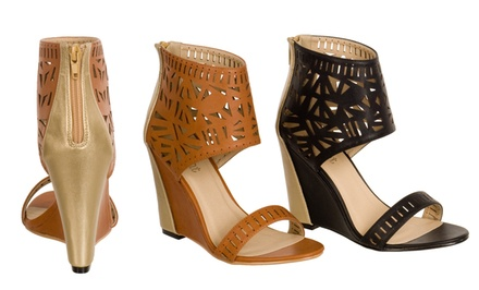 Relent Tyrks Wedge Sandals