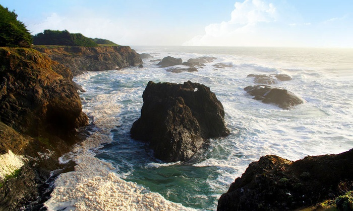 Mendocino Luxury Camping Tour - Fort Bragg: Two- or Three-Night Mendocino Luxury Camping Tour from Destination: Earth with Accommodations, Meals, and Entrance Fees