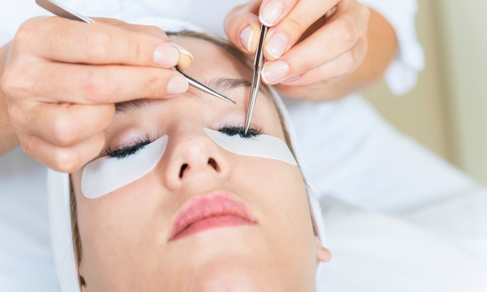 how to take off eyelash extensions