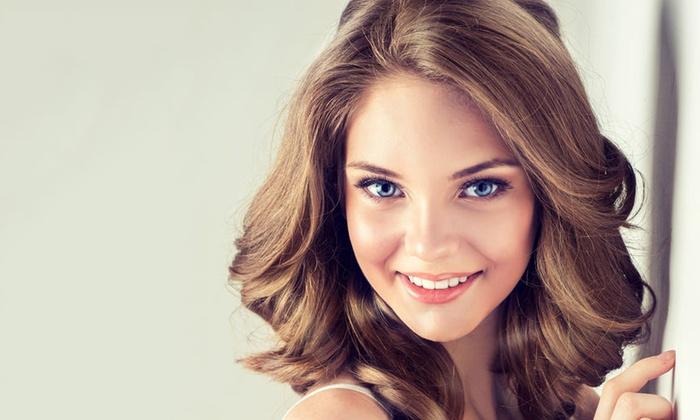 Die Beautyque - Ratingen: Luxus-Haarcut mit Kur für alle Längen, opt. mit Ansatzfarbe oder Balayage, bei Die Beautyque (bis zu 70% sparen*)