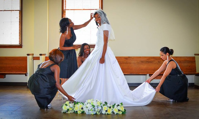 http://www.studiodrb.com/ - Jonesboro: Engagement, Wedding, or Deluxe Wedding Photo Package from Studio DRB (Up to 59% Off)