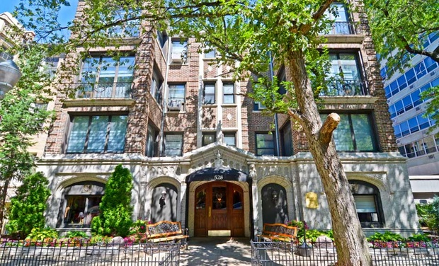 Majestic hotel groupon for Majestic hotel chicago