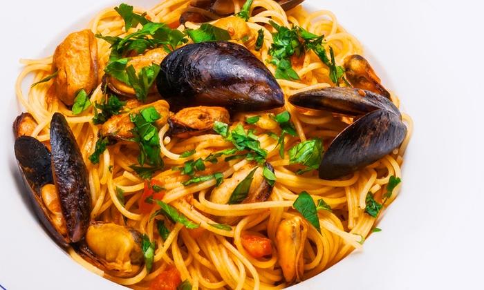 Domo Mea - Cagliari: Pranzo o cena di pesce con tris di antipasti, primo e secondo di mare a scelta da 34,90 €