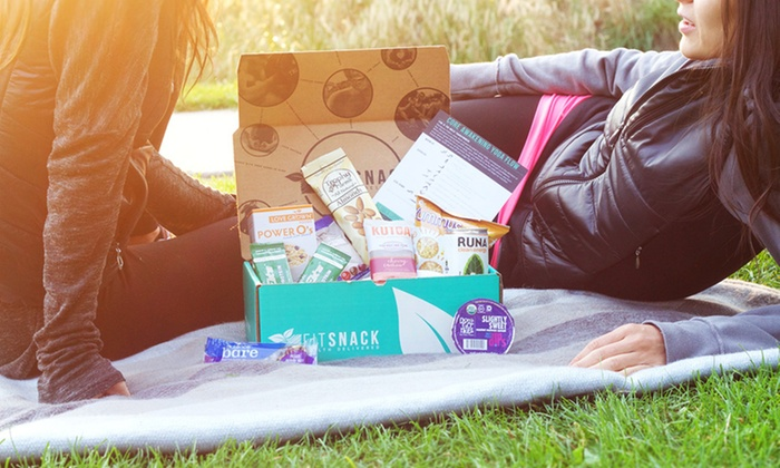 """Fit Snack: $11.90 for Delivery of One Box of Healthy Snacks and """"Fit 4 Life"""" Magazine from Fit Snacks ($23.90 Value)"""