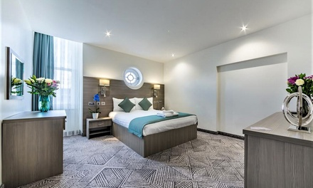 Leyton: Double Room for Two with Breakfast at The Lion and Key Hotel