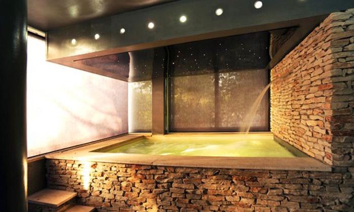 Domo housing spa - Perugia: Perugia, Domo Housing Spa 4* - Una notte per 2 persone con ingresso spa e colazione da 79 € o con in più cena da 99 €