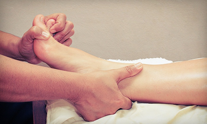 Happy Feet Spa - Multiple Locations: $29 for a 60-Minute Foot Massage at Happy Feet Spa (Up to $60 Value)