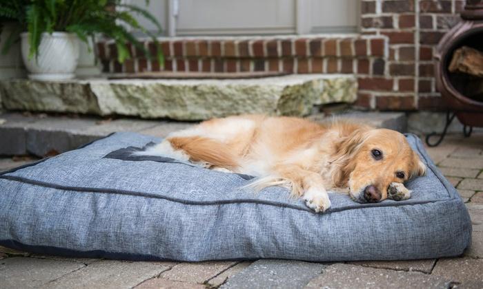 """Eddie Bauer 30"""" x 40"""" Linen Gusset Dog Bed"""