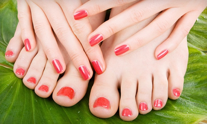 Michelle's Everlasting Beauty - Oakville: $29 for a Shellac Manicure and a Deluxe Pedicure at Michelle's Everlasting Beauty in Oakville (Up to $60 Value)