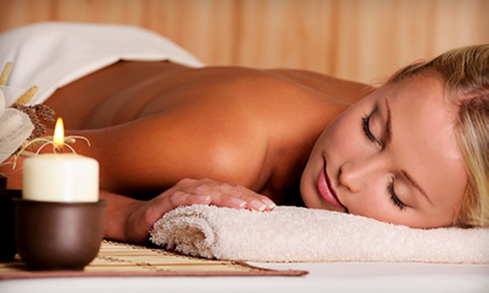 Hideaway Massage - Leesburg: $59 for a 60-Minute Pumpkin-Spice Massage with a Foot Scrub at Hideaway Massage (Up to $120 Value)