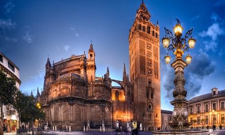Tour por el centro histórico de Sevilla para 2, 4 o 6 personas desde 9,95 € con Naturanda Turismo Ambiental