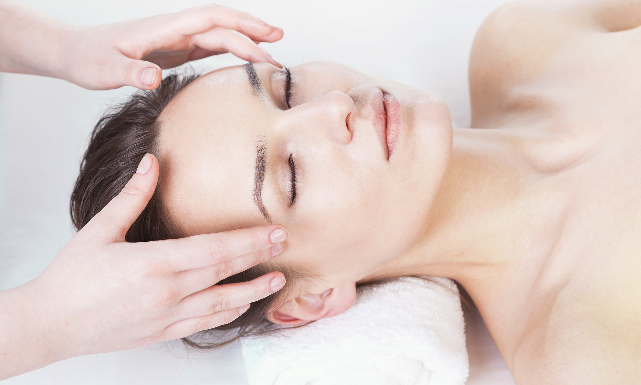 Full Body Massage, Head Massage  More At Akshaya Beauty Salon Spa, Kalyan Nagar -6957