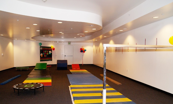 Jumping Gym - Los Angeles: $399 for a 90-Minute Gymnastics Birthday Party at Jumping Gym ($950 Value)