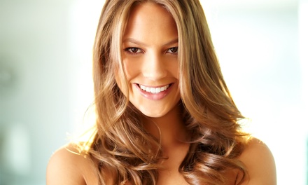 Cofanetti bellezza capelli con taglio, colore e trattamenti da Evolux Parrucchieri (sconto fino a 78%). Valido in 2 sedi