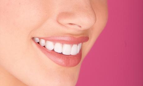 1, 2, 3 o 4 implantes dentales de titanio con corona y limpieza bucal desde 489 €