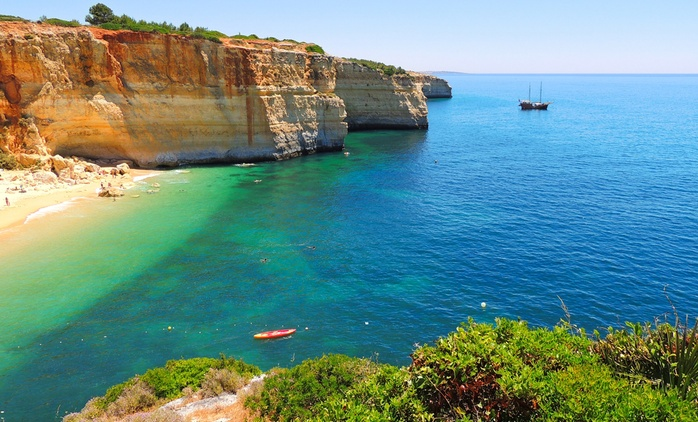 ✈ Algarve: Up to 7 Nights at Choro Mar Apartments with Return Flights*