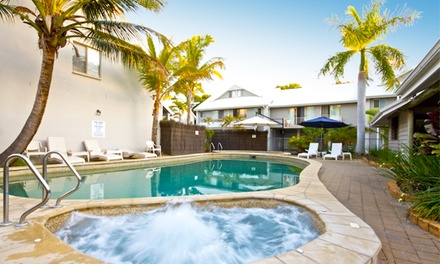Noosa: 3, 4, 5, or 7Night Queensland Beach Break with 2 Bottles of Wine and Early CheckIn at Pelican Beach Resort