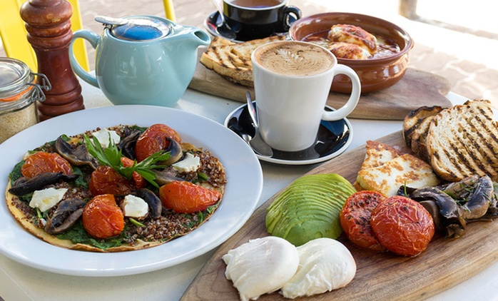 Breakfast with Drinks for Two ($24) or Four People ($48) at Bronte Belo (Up to $102 Value)