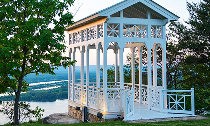 Mountain Lodge near the Tennessee River