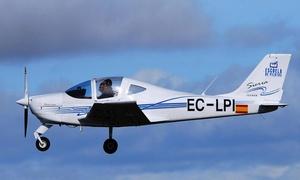 Escuela de Vuelo Casarrubios: Vuelo en avión biplaza de 15, 30 o 50 minutos y toma los mandos desde 49 €