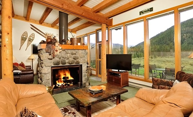 Evergreen Condominiums - Keystone, CO: Stay at Evergreen Condominiums in Keystone, CO. Dates Available into April 2016. Up to Two Kids 17 or Younger Stay Free.