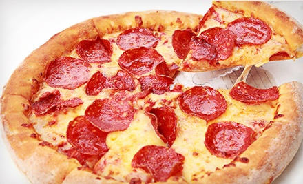 $15 for One 14-Inch One-Topping Pizza, One Appetizer, and 80 Game Tokens at Mama Lea's Kids Zone (Up to $32.48 Value)