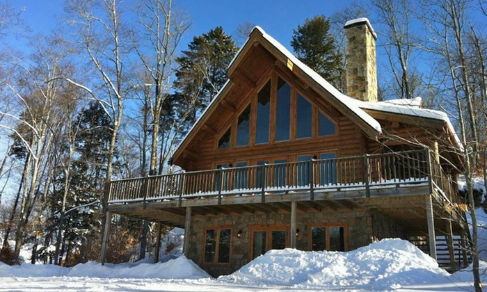 Blueberry Lake Resort - Labelle: Stay with Massage Vouchers at Blueberry Lake Resort in Mont-Tremblant, QC