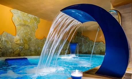 Circuito spa para dos y masaje con ducha neikp y opción a menú desde 24,95 € en La Venta del Charco