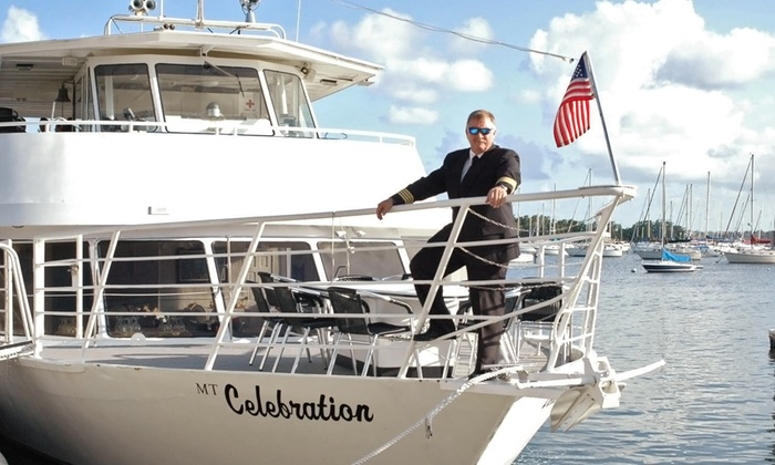 Thanksgiving Day Lunch Cruise or Dinner Cruise - Dinner Key Marina, Coconut Grove: $45 for a Thanksgiving-Day Lunch or Dinner Cruise from Bay Brunch Celebration Cruise on November 27 (Up to $75.50 Value)