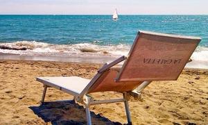 STABILIMENTO BALNEARE LA CALETTA: Ingresso base o deluxe in spiaggia con ombrellone e lettini da Stabilimento Balneare La Caletta (sconto fino a 54%)