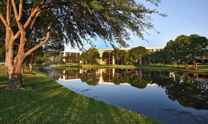 Clarion Inn Lake Buena Vista - Orlando, FL: Stay at Clarion Inn Lake Buena Vista in Greater Orlando, FL, with Dates into October