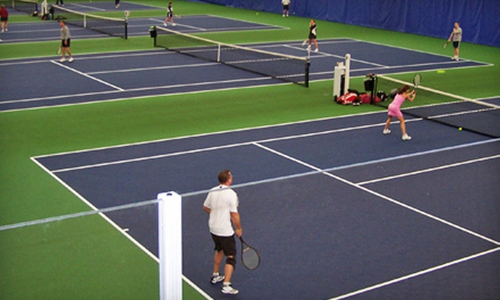 Perrysburg Tennis Center - Beverly-Harvard: $13 for Two 60-Minute Adult Group Introductory Tennis Lessons at Perrysburg Tennis Center ($26 Value)