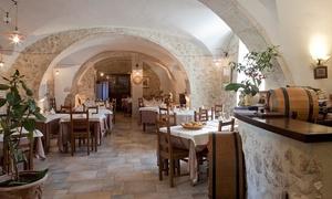 Antica Taverna Navelli: Menu gourmet allo zafferano, dessert e calice di vino per 2 o 4 persone all'Antica Taverna Navelli (sconto fino a 69%)