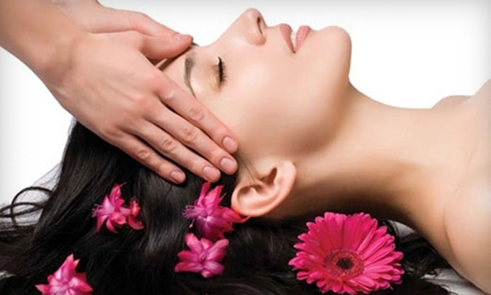 Salon De'Amaz - Woodlake: $32 for a Swedish Massage at Salon De'Amaz in Midlothian ($70 Value)