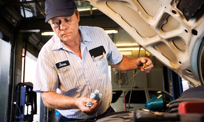 Airline Quick Lube - Bossier City: $18 for a Full-Service Express Oil Change at Airline Quick Lube ($37.99 Value)