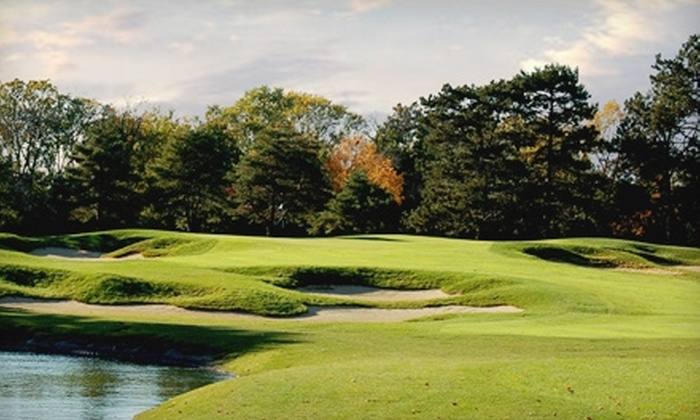 Sportsman's Country Club - Northbrook: Golf Play at Sportsman's Country Club in Northbrook. Three Options Available.