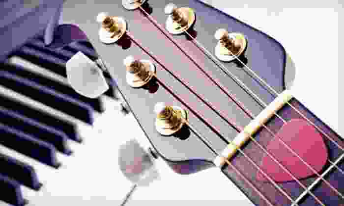 Guitar Chicago - Fidi: Two, Four, or Six 30-Minute Private Guitar, Piano, Bass, or Ukulele Lessons at Guitar Chicago (Up to 59% Off)