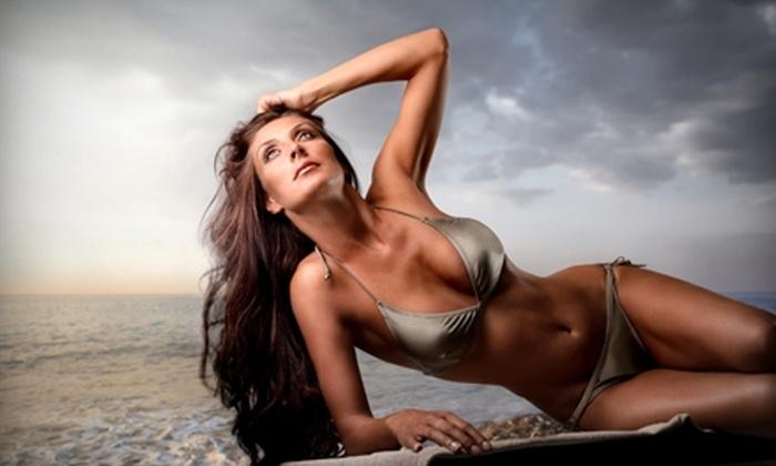 Sun of a Beach - Aksarben/Elmwood Park: $17 for a Mobile Spray Tan from Sun of a Beach ($35 Value)