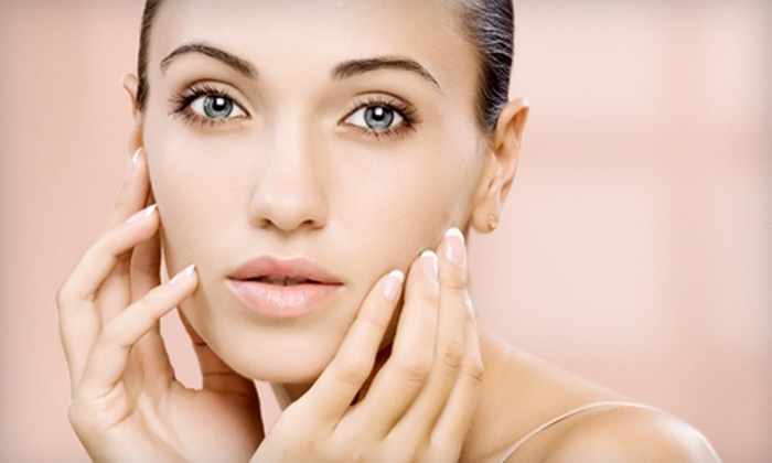 The Green Day Spa - Queen's Park: $68 for a Hydrating Facial and Manicure at The Green Day Spa ($136 Value)