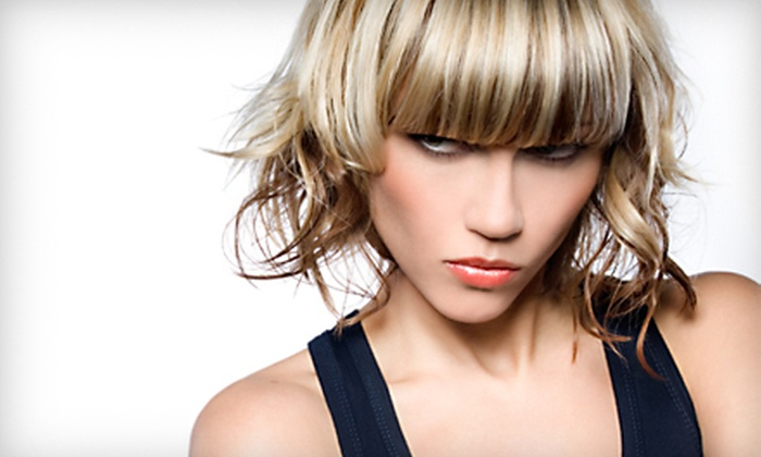 DiGiovanni Beauty Salon - Coral Gables Section: $35 for Partial-Highlight Package at DiGiovanni Beauty Salon in Coral Gables ($201 Value)