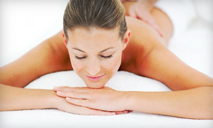 100% Chiropractic Lakewood - South Alameda: One-Hour Massage or a Chiropractic Adjustment with Massage at 100% Chiropractic Lakewood (Up to 80% Off)