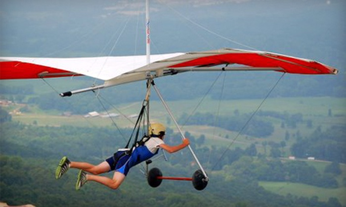 Lookout Mountain Flight Park - Rising Fawn: $120 for Introductory Hang-Gliding Experience at Lookout Mountain Flight Park in Rising Fawn ($199 Value)