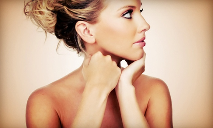 Rochester Beauty Lounge - Downtown Rochester: $15 for a Full-Body Spray Tan at Rochester Beauty Lounge ($35 Value)