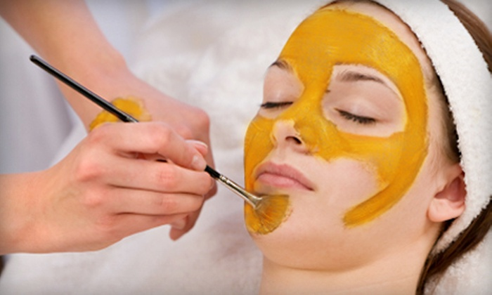Skin and Beauty Lounge - Brooklawn - St. Vincent: Facial Peels at the Skin and Beauty Lounge in Bridgeport. Three Options Available.