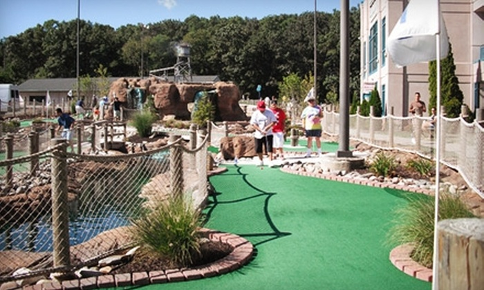 Twin Brook Golf Center - Tinton Falls: $12 for a Round of Miniature Golf for Four People at Twin Brook Golf Center in Tinton Falls ($24 Value)