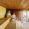 Accès au sauna avec peignoir et boisson