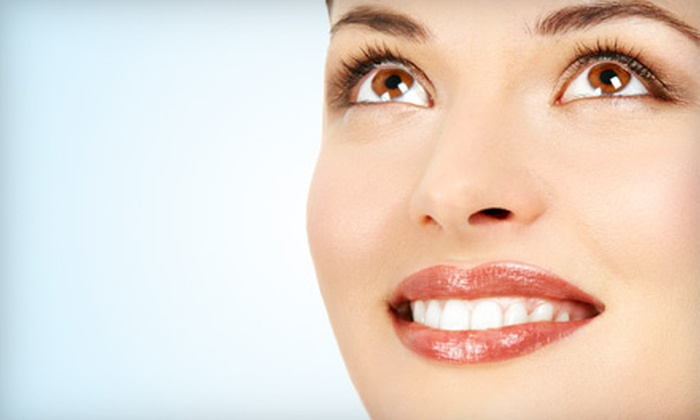 Distinctive Dentistry - Hilton Head Island: Exam, Cleaning, and X-Rays or Opalescence Trèswhite Teeth-Whitening System at Distinctive Dentistry in Hilton Head Island