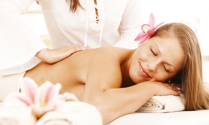 La Stella (Roma) - La Stella: Uno o 3 massaggi  a scelta con fanghi o bendaggi (sconto fino a 74%)